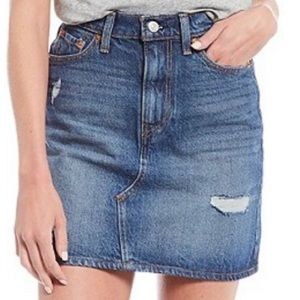 Levi's Iconic BRAND NEW⭐️Deconstructed HR skirt❤️